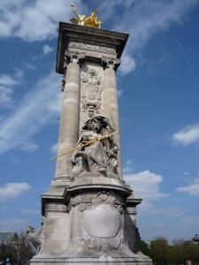 Escultura del Pont Alexandre III