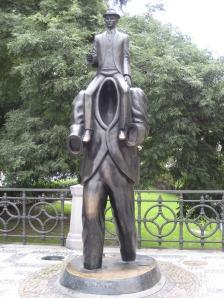 Escultura a las pesadillas de Kafka