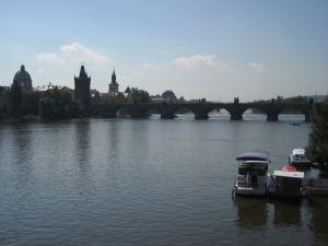 Puente Carlos sobre el Moldava