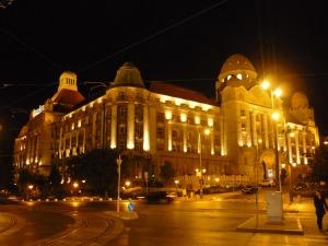 Hotel Gellért de noche