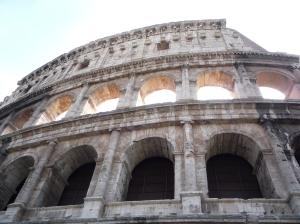El Coliseo se alza sobre nosotros