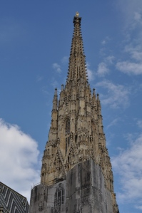 Torre sur de la Catedral de San Esteban