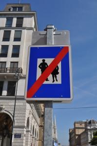 ¿Prohibido bailar con la moza?