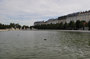 Lago frente al Palacio Belvedere