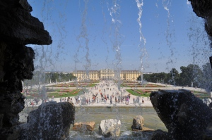 Schönbrunn desde la fuente